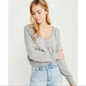 NEW Abercrombie and Fitch Long Sleeves V-Neck Top